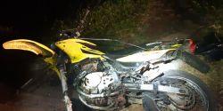 Motociclista morre em acidente envolvendo cinco veículos após tentar ultrapassagem em local proibido, na BR-373, diz PRF